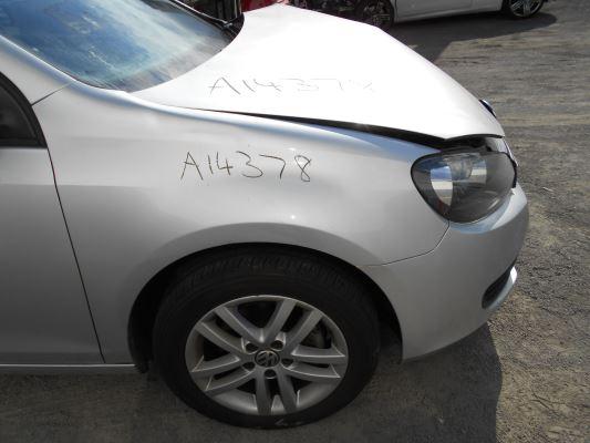 2011 VOLKSWAGEN GOLF 6 SP AUTO DIRECT SHI 2.0L DIESEL TURBO F/INJ GUARD RF